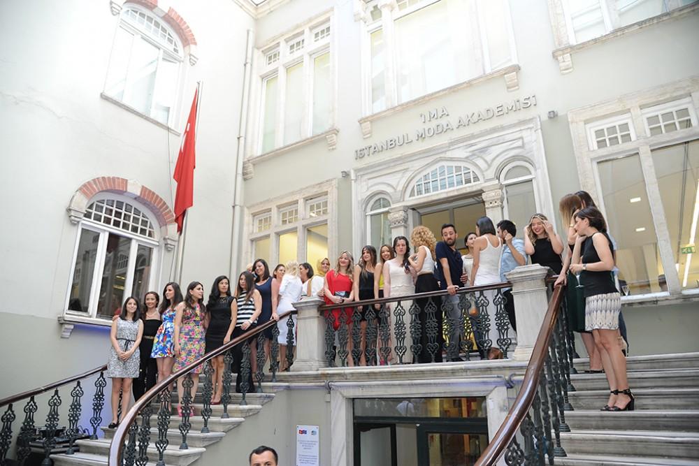 istanbul_moda_akademisi_-_mezuniyet_sergisi_16050402240615158F0B
